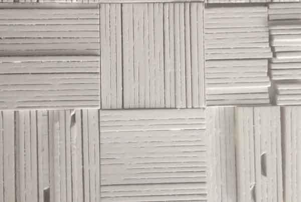 wandpaneele-holz-pine-lackiert-kleinholz-weiss