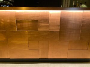 Wandpaneele-Impressionen---Theke-im-Frankfurter-Cafe--3