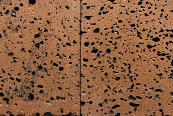 wandpaneele-keramik-lavastein-mit-blattgold-cosmic-spray