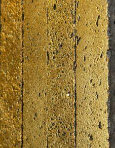 wandpaneele-keramik-lavastein-mit-blattgold-saturn-rock-seitlich