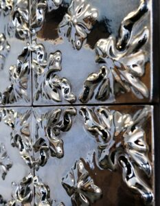 wandpaneele-keramik-wandfliesen-glasiert-merry-flowers-seitlich-b - Kopie